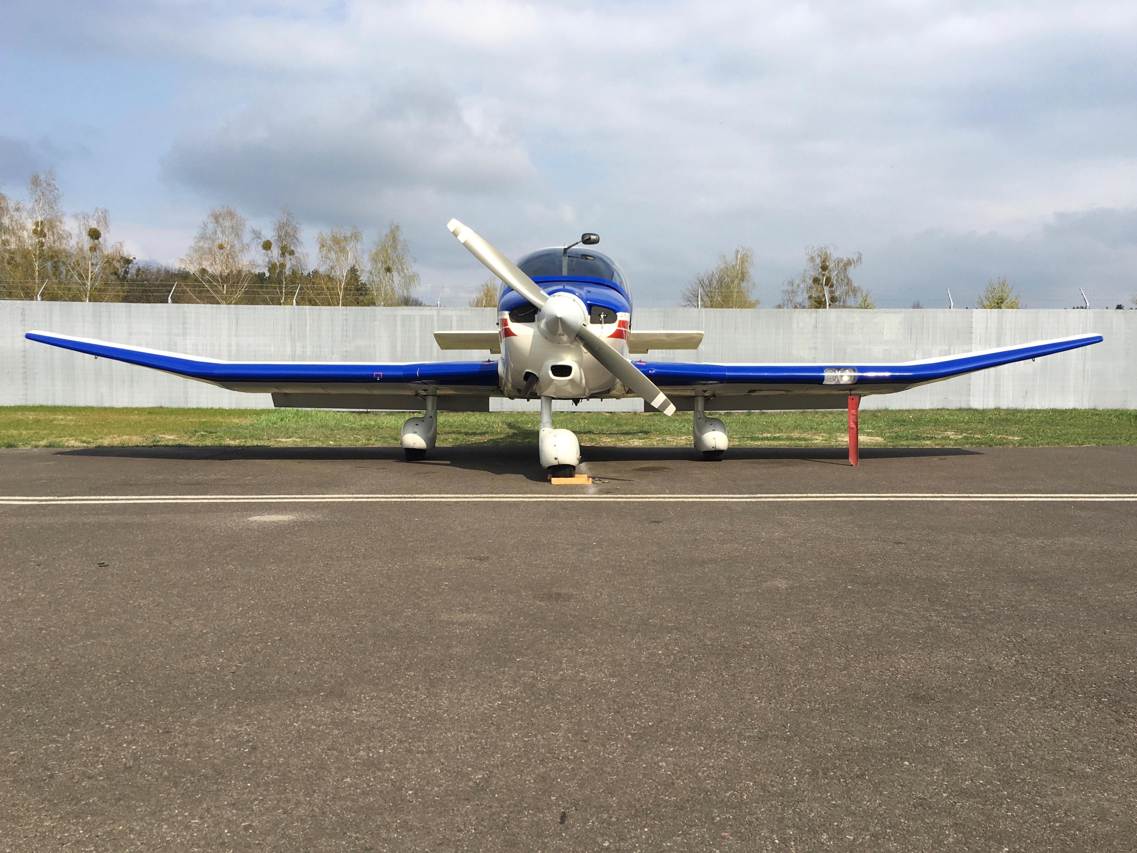 Flugzeug Robin 400